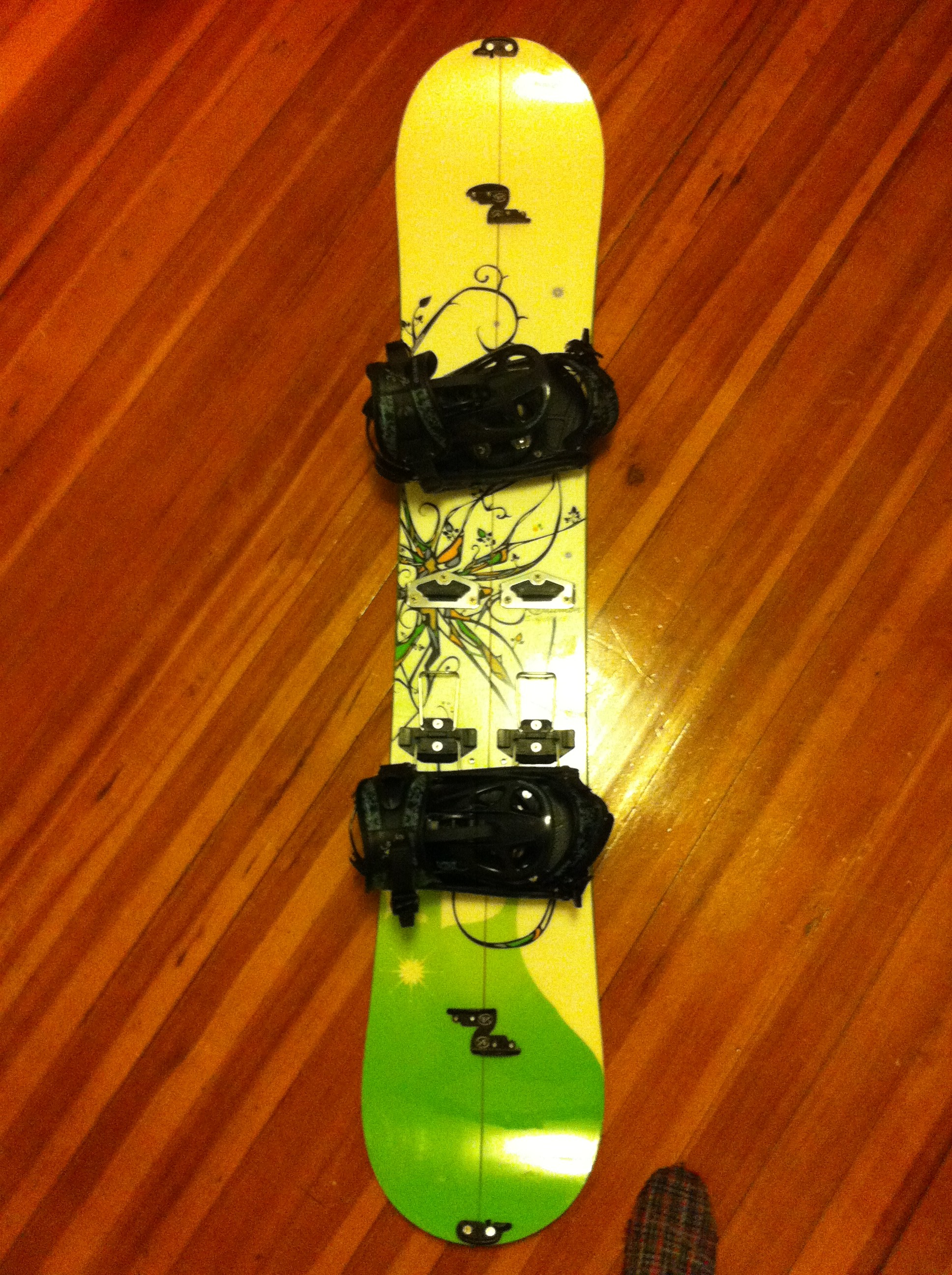 Splitboard in the snowboard position.